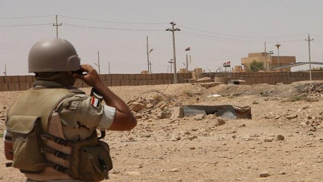 حرس الحدود العراقي يشتبك مع مقاتلين من