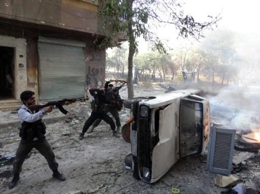 دمشق: مجموعات مسلحة هاجمت موقعين فيهما مواد كيميائية