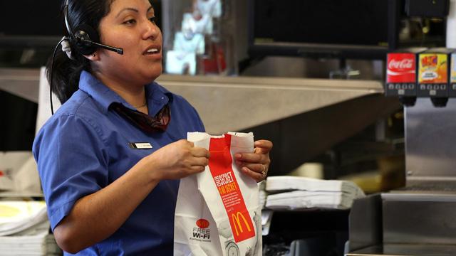 مطاعم ماكدونالدز للوجبات السريعة تحذرعمالها من أضرار الوجبات السريعة