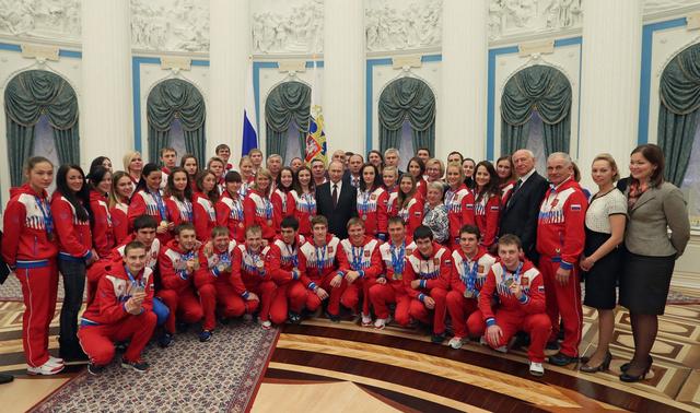 بوتين يهنئ الرياضيين الروس بإنجازاتهم في الالعاب الجامعية الشتوية