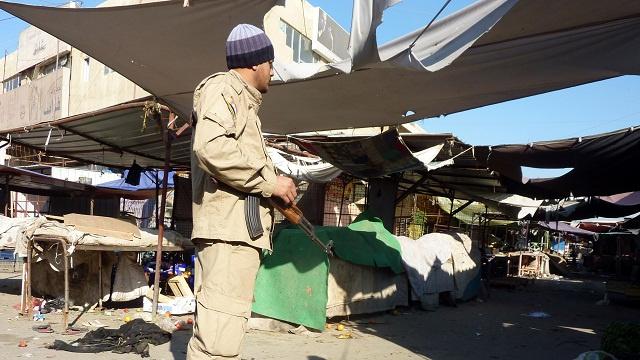 مقتل 35 شخصا وإصابة 56 آخرين في تفجيرات استهدفت كنيسة وسوقا شعبية في بغداد