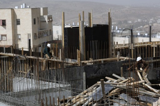 إسرائيل تعتزم بناء وحدات استيطانية جديدة بعد الإفراج عن 20 سجينا فلسطينيا