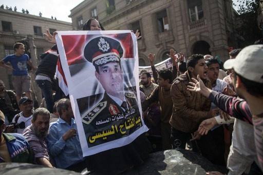 السيسي لم يحسم موقفه من الترشح للرئاسة بعد
