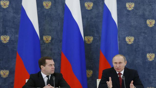 بوتين مرتاح لعمل حكومته ويدعوها إلى بذل مزيد من الجهد