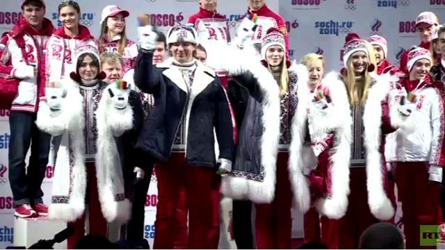 تقديم الزي الرسمي للمنتخب الروسي في سوتشي 2014