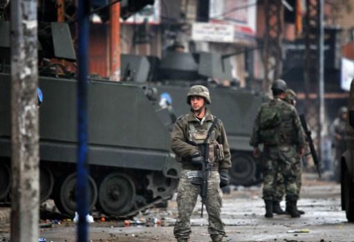 إصابة 3 أشخاص بينهم جنديين بانفجار قنبلة في لبنان