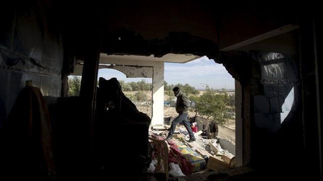 إصابة شخصين في سلسلة غارات إسرائيلية على قطاع غزة