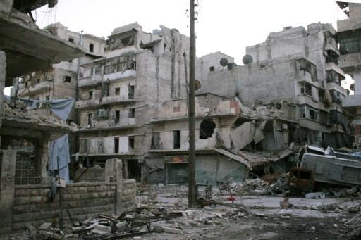 نشطاء سوريون يؤكدون مقتل 25 شخصا في غارة على حلب والجيش يعلن القضاء على مسلحين