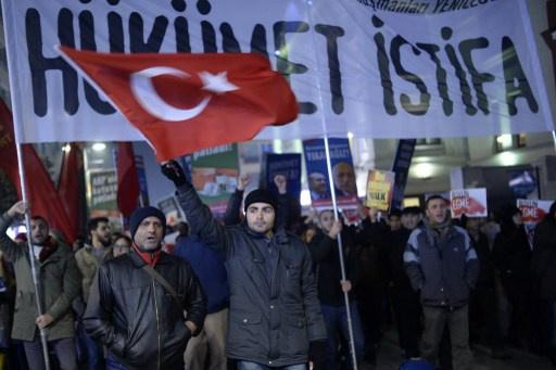 الاتحاد الأوروبي يحث تركيا على الشفافية