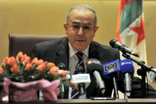 الجزائر تؤكد مشاركتها في جنيف -2 لحل الأزمة السورية