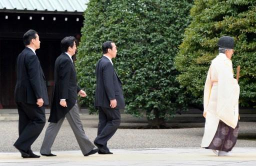 كوريا الجنوبية تلغي اجتماعات الدفاع مع اليابان رفضا لزيارة آبي لمعبد ياسوكوني