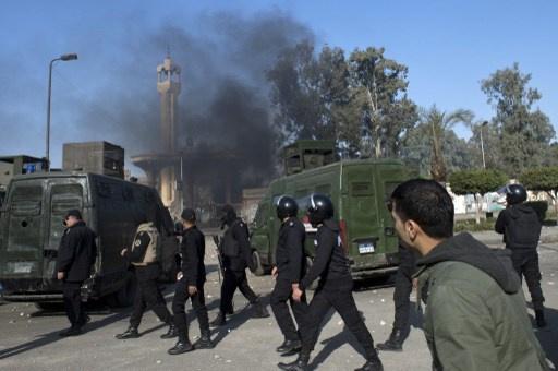 تجدد الاشتباكات بين الشرطة وطلاب الأزهر بالمدينة الجامعية