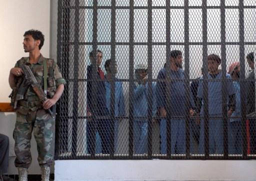 سجن 9 أشخاص بتهمة التخطيط لاغتيال الرئيس اليمني