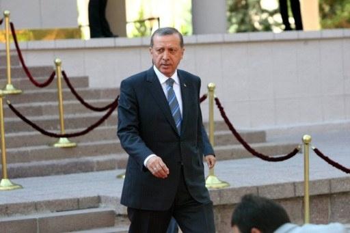 بعد استقالة 3 وزراء.. أردوغان يقدم تشكيلة لحكومته تضم 10 أسماء جديدة