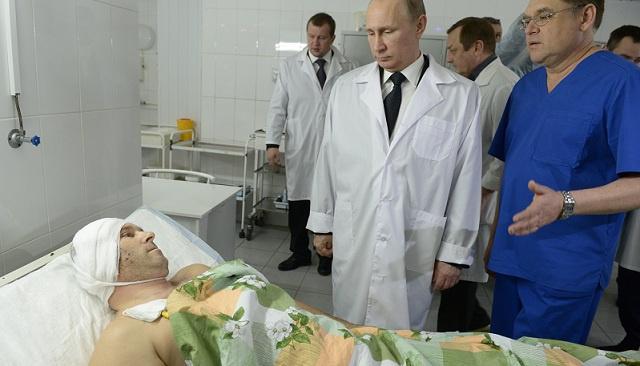 بوتين يزور جرحى التفجيرين الارهابيين في فولغوغراد