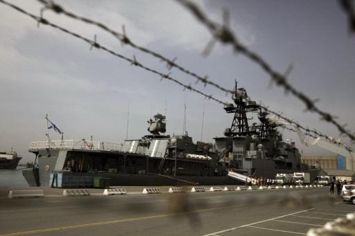 السفينتان المكلفتان بنقل الكيميائي السوري على أهبة الاستعداد للتوجه الى مرفأ اللاذقية