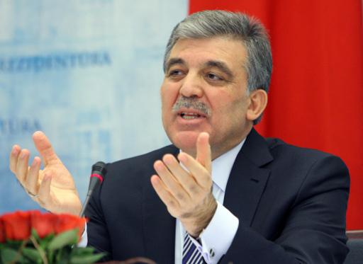 بعد فضيحة فساد الحكومة التركية.. غول يدعو لاحترام دولة القانون