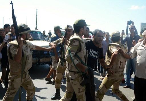 قتيلان و4 جرحى في اشتباكات بين قوات الأمن وانصار جماعة الاخوان المسلمين بالاسكندرية