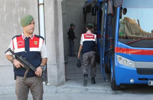 تركيا تعلن عن ضبط شاحنة محملة بالاسلحة بطريقها الى سورية