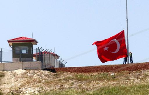 تركيا تشيد جدارا بارتفاع 4 امتار على حدودها مع سورية