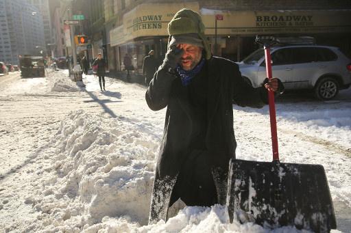 اعلان حالة الطوارئ في ولايتين امريكيتين بعد وصول سماكة الثلج الى نصف متر