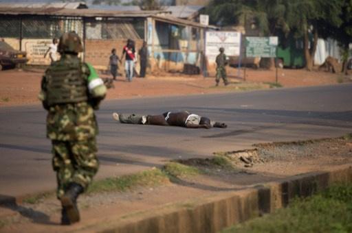 حوالي مليون نازح في افريقيا الوسطى منذ بداية النزاع