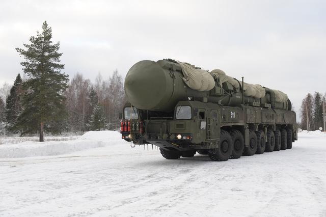 وزارة الدفاع الروسية: عدد المتعاقدين في قوات الصواريخ الاستراتيجية سيتضاعف بحلول عام 2018