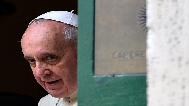 هل سحب بابا الفاتيكان اعترافه بـ