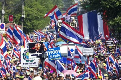 آلاف المتظاهرين يخروج في بانكوك للمطالبة بإسقاط الحكومة