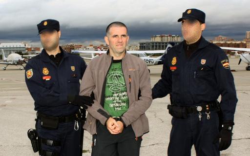 اعتقال متهم بالقتال في سورية ضمن صفوف