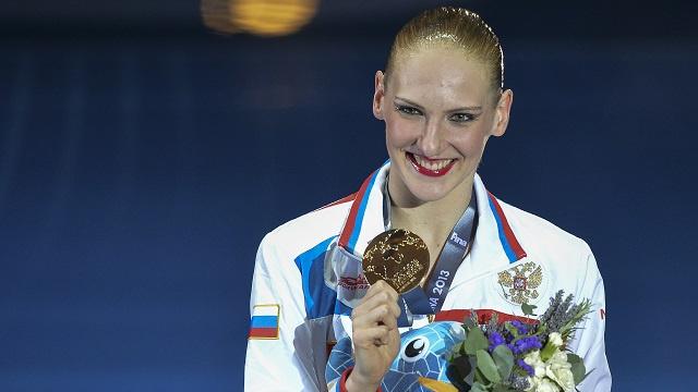 الروسية روماشينا أفضل رياضية لعام 2013 في السباحة الايقاعية