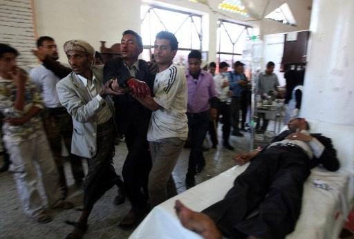 الصليب الأحمر يجلي 34 جريحا من معارك في صعدة اليمنية