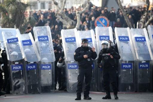 الحكومة التركية تقيل ضابطا كبيرا في الشرطة