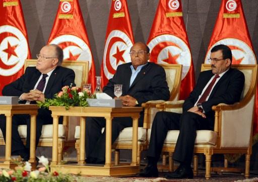 تونس.. حكومة علي العريض ملتزمة بالاستقالة حال الإعلان عن هيئة الانتخابات