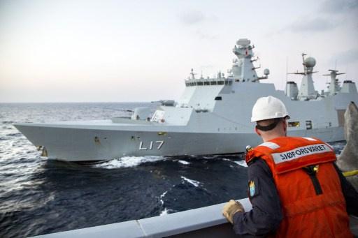 سفن قتالية روسية ودانماركية وصينية ونرويجية تؤمن السفينة التي ستنقل الكيميائي السوري