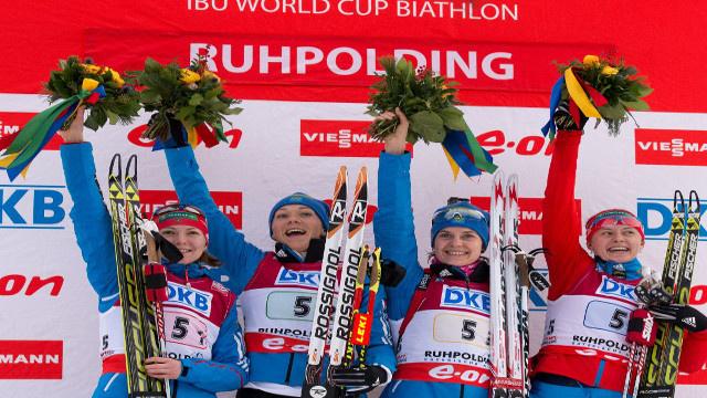 منتخب سيدات روسيا للبياثلون يحرز ذهبية كأس العالم في سباق 4×6 كلم تتابع