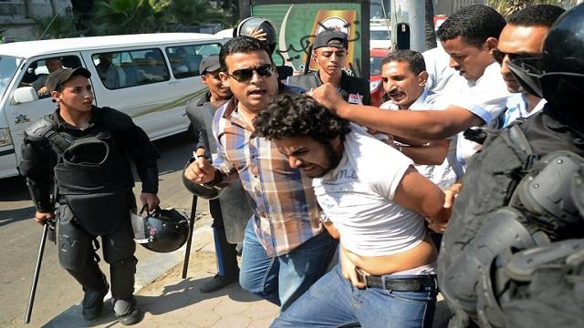 محكمة مصرية تقضي بحبس 87 من أنصار الإخوان 3 سنوات
