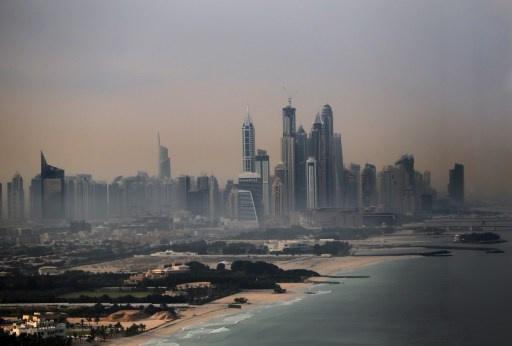 الإمارات تفرج عن أمريكي سجن بسبب نشره فيديو على اليوتوب