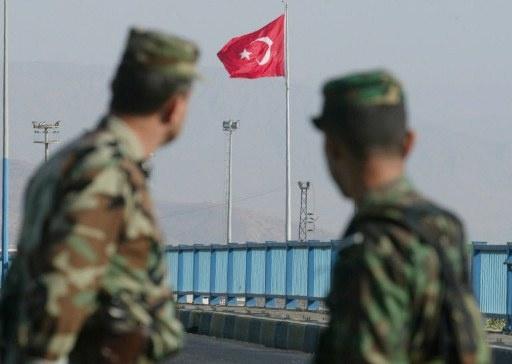 وسائل إعلام: الشرطة التركية تحتجز حافلتين محملتين بالأسلحة قرب الحدود مع سورية