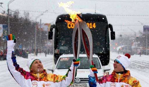 الشعلة الأولمبية تواصل مسيرتها إلى سوتشي