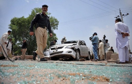 مقتل 5 أشخاص بتفجير استهدف موكب مستشار لرئيس الوزراء الباكستاني
