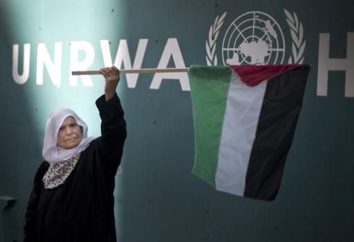 إصابة العشرات في اشتباكات بين سكان مخيم الجلزون وقوات الأمن الفلسطينية شمال رام الله
