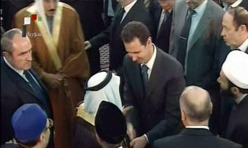 الأسد يشارك في احتفال المولد النبوي في جامع بدمشق
