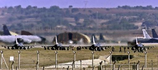 مقاتلات تركيا تجبر 3 طائرات سورية على الابتعاد عن الحدود التركية