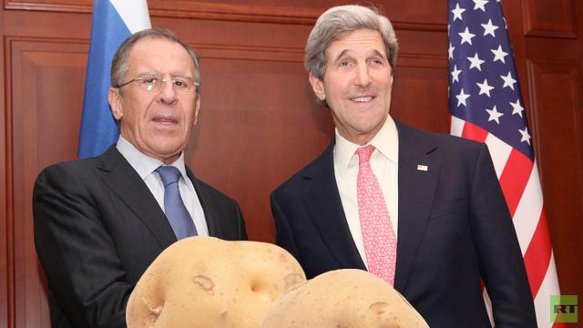 بطاطس.. هدية رمزية من كيري الى لافروف في مستهل محادثات باريس (فيديو)