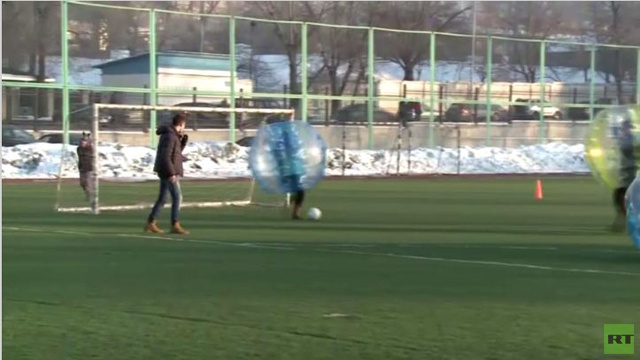 بالفيديو...طريقة جديدة للعب كرة القدم بكازاخستان