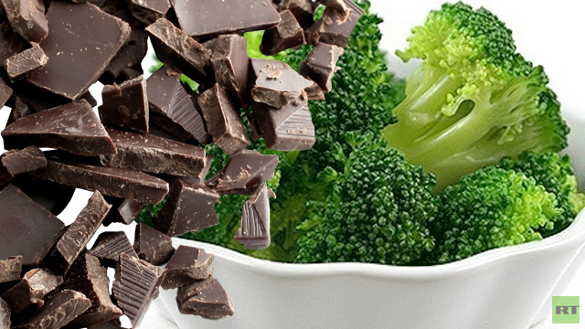الشوكولا وملفوف البروكلي يساعدان في تمديد حياة الإنسان