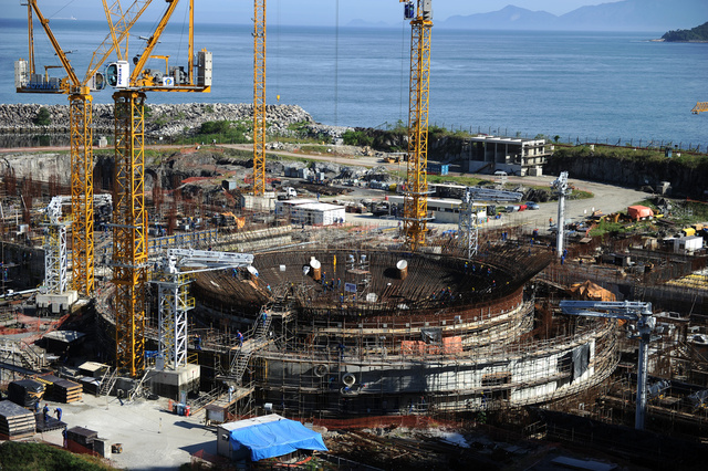 روسيا تبحث مشاريع بناء محطات كهرذرية في الارجنتين والبرازيل