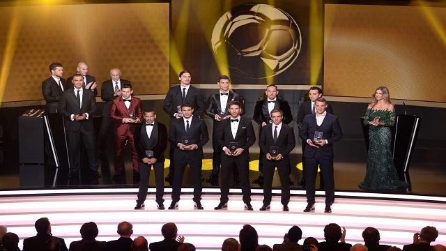 الفيفا يكشف عن تشكيلة فريق العام 2013