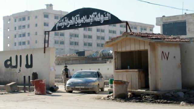 سورية.. الجيش يسيطر على مناطق عدة بريف حلب وداعش تتقدم في أقصى شمال البلاد